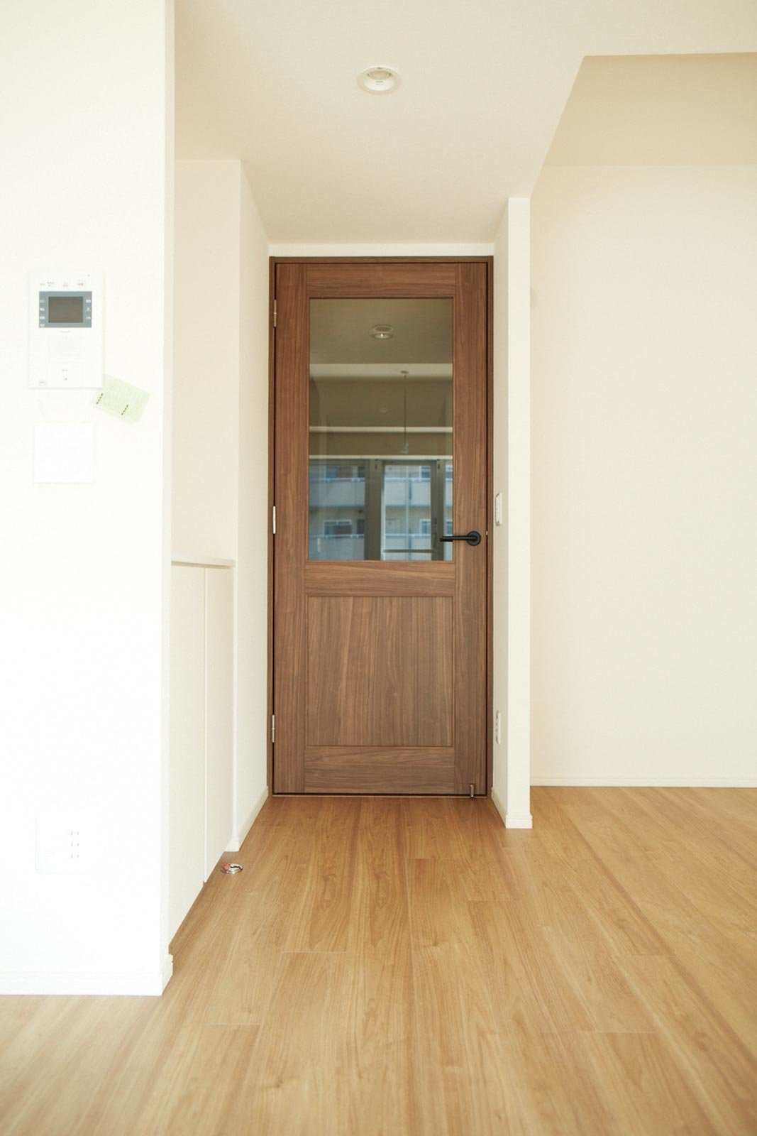 door_oyama-theresidence.jpg
