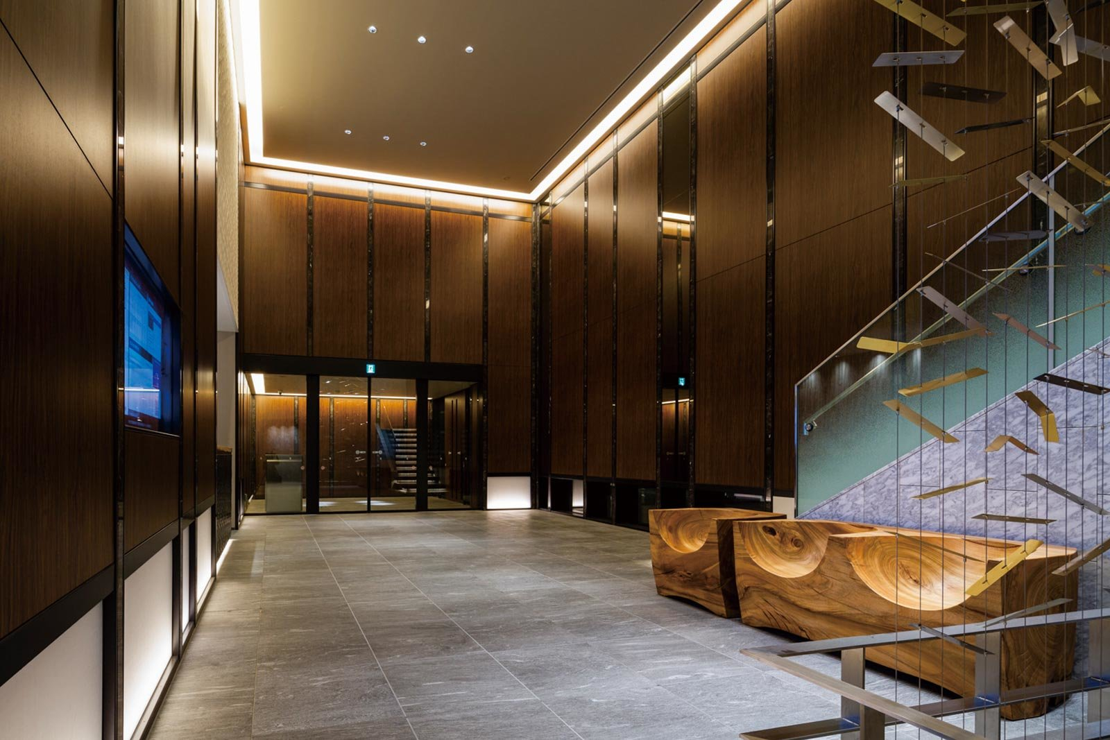 entrance-hall01_tower-yoyogikoen-classy.jpg