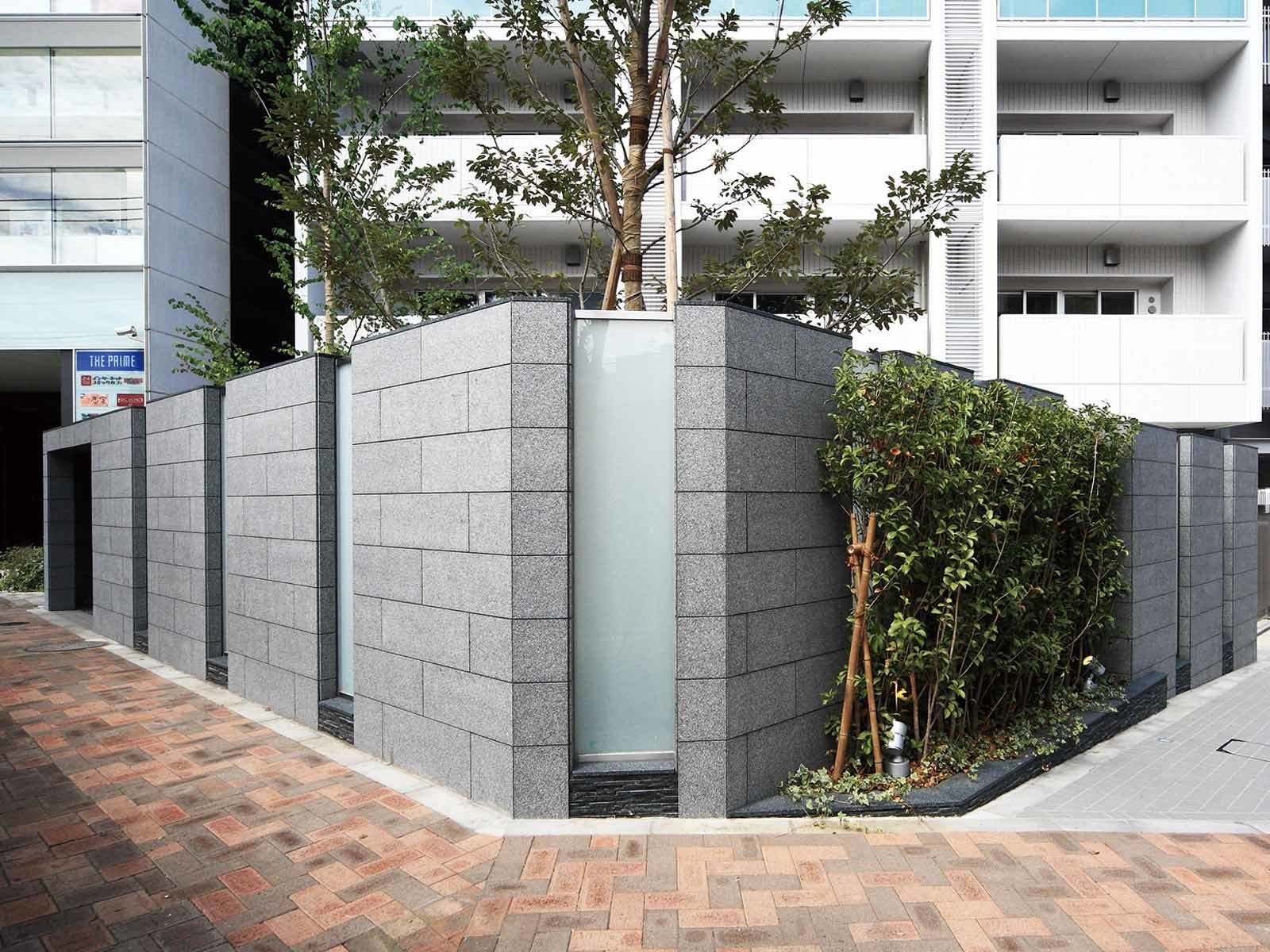 exterior_narimasu-stationfront.jpg