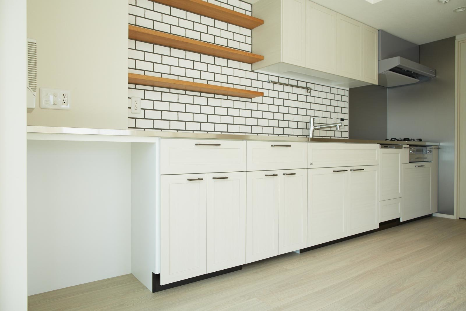 kitchen02_oyama-theresidence.jpg