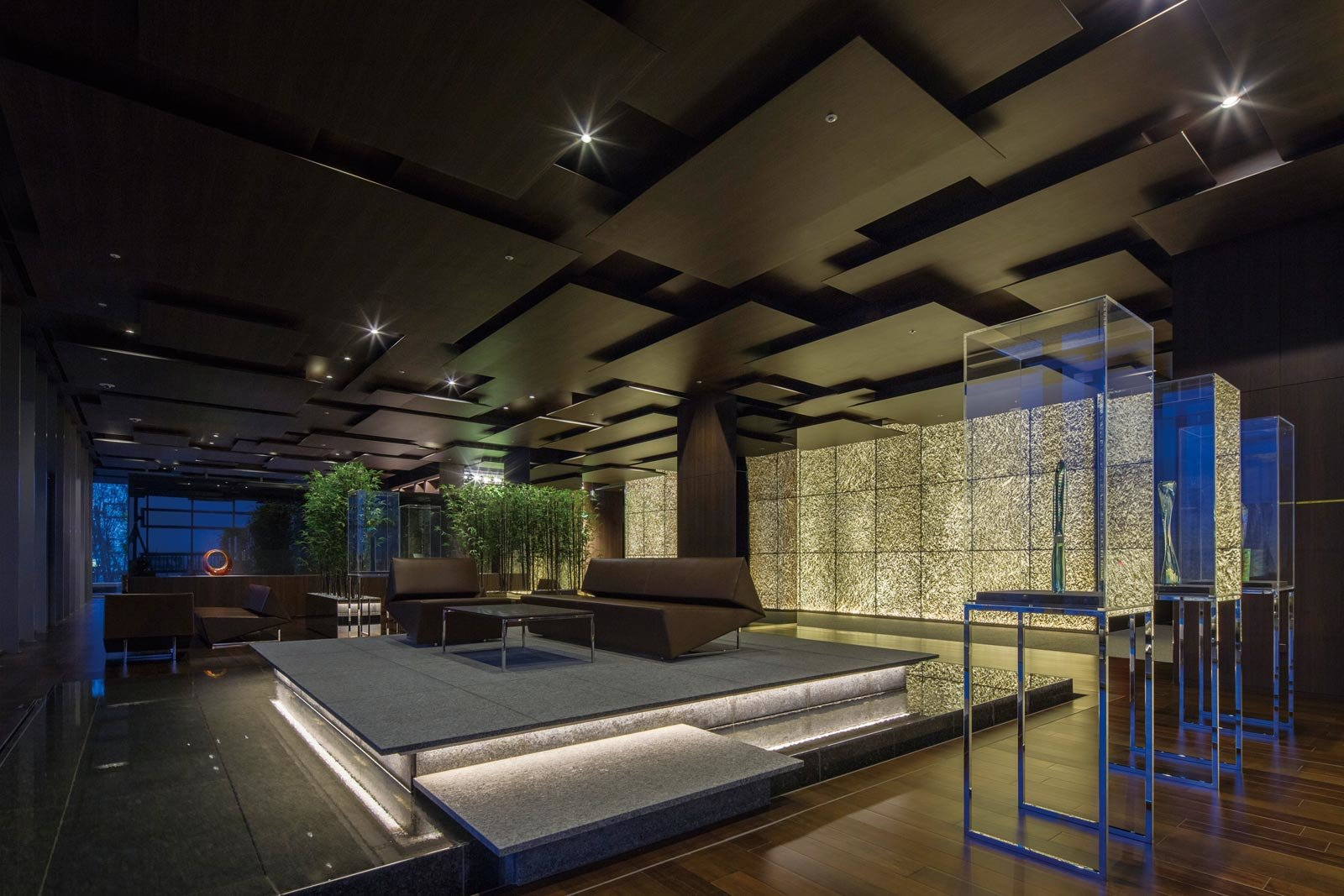 lounge01_tower-ikebukuro.jpg