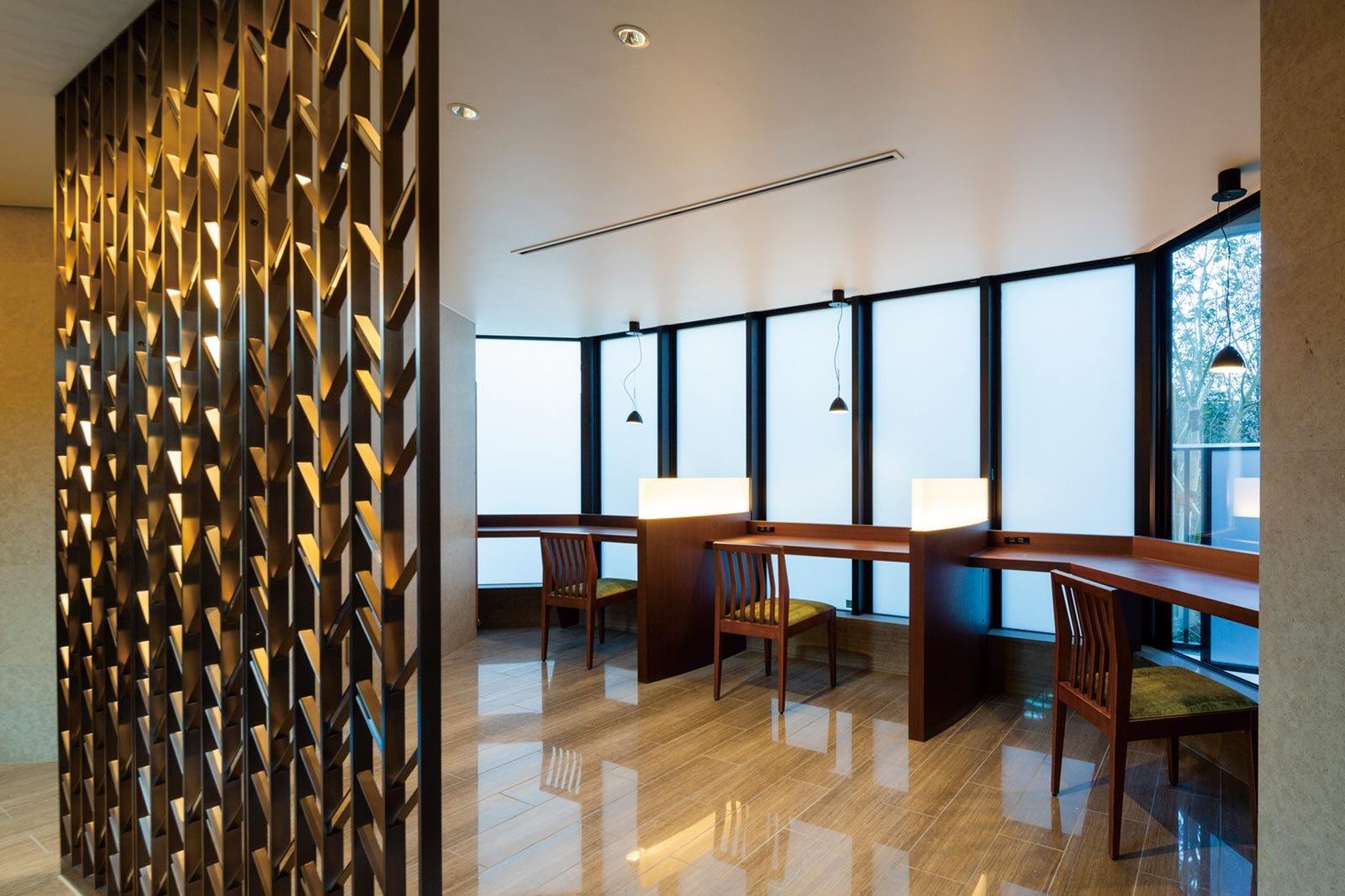 lounge01_tower-yoyogikoen-classy.jpg